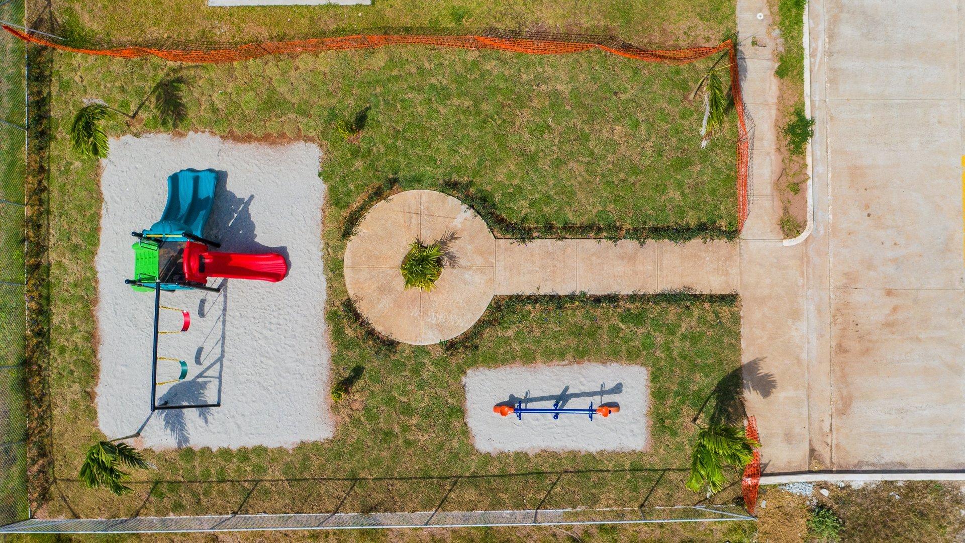 Canchas deportivas del residencial en Chorrera Jardines de La Mitra ; proyectos de vivienda en Chorrera